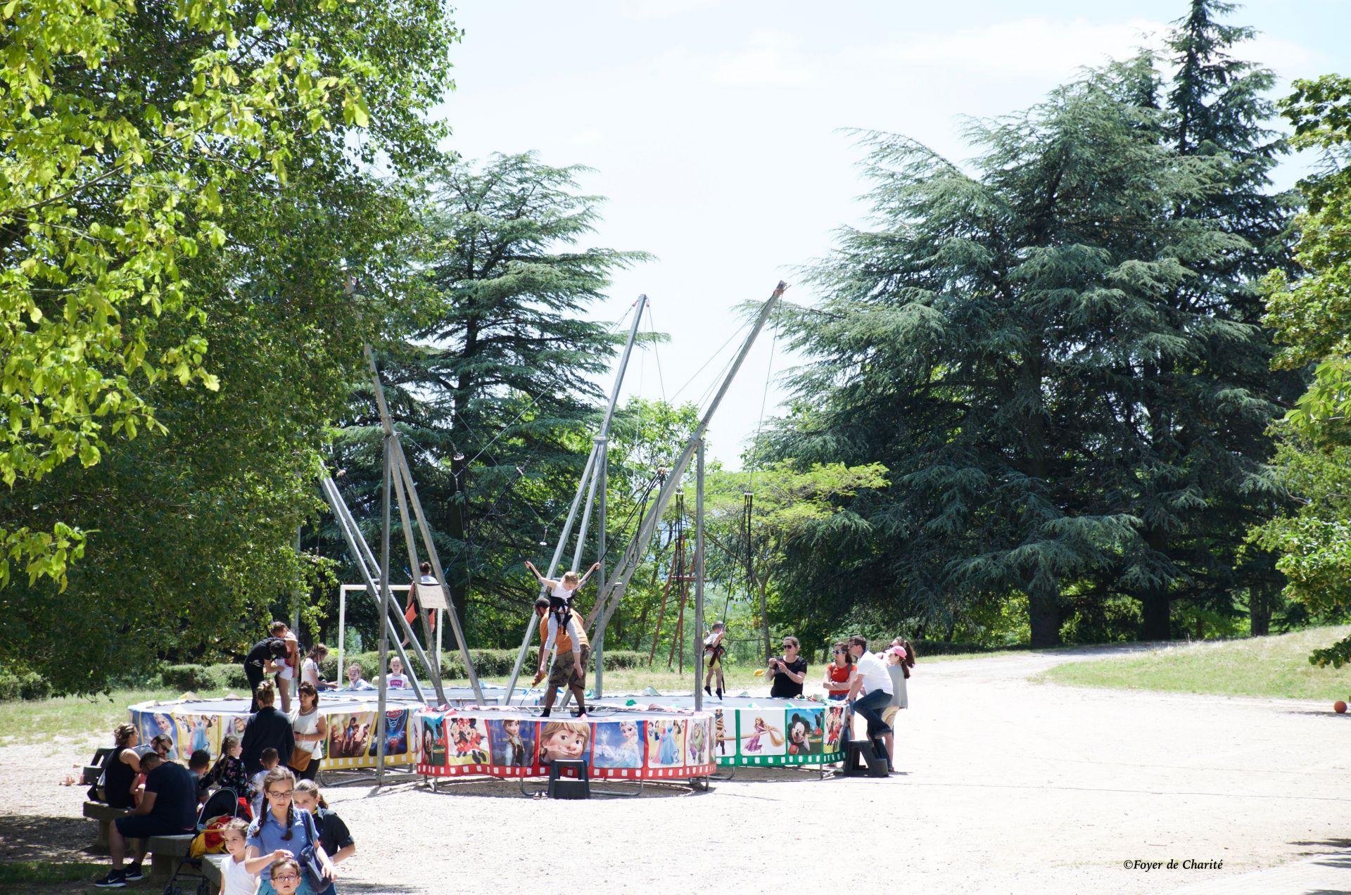 trampolines à élastiques