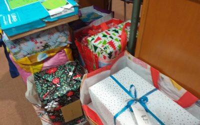 Colis de Noël remis à la Croix Rouge